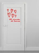 puerta corazones rojos