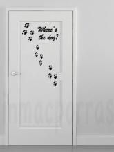 puerta huellas de perro 4.marca agua,psd