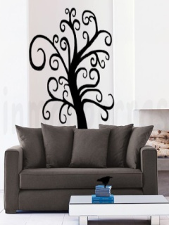 salón sofá marrón.árbol negro.marca agua
